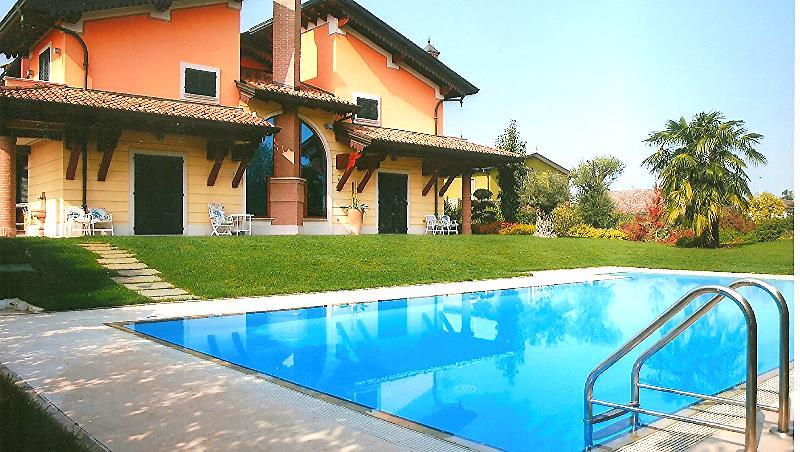 Vendita ville soluzioni indipendenti villa singola con piscina - Ville con piscina in vendita ...